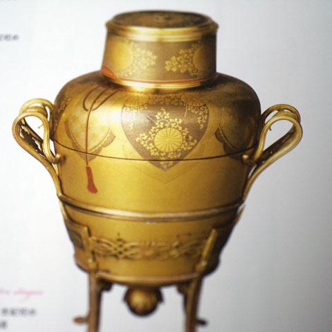 ルーブル美術館展(蒔絵香入れ).jpg