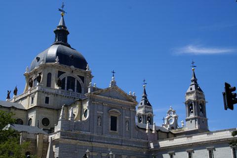 Madrid(アルムデナ大聖堂).jpg