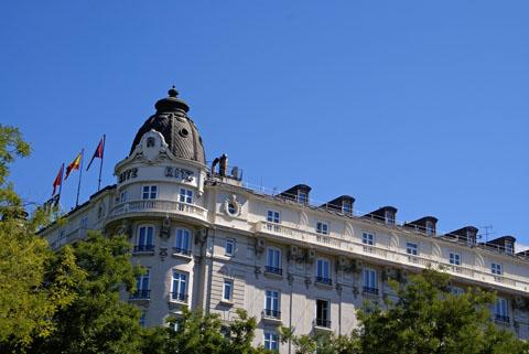Madrid(プラド前のホテルリッツ).jpg